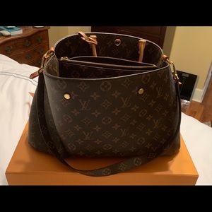 Authentic Louis Vuitton Montaigne GM handbag